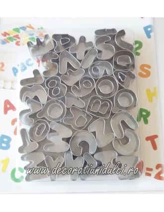 Decupatoare metalice litere...