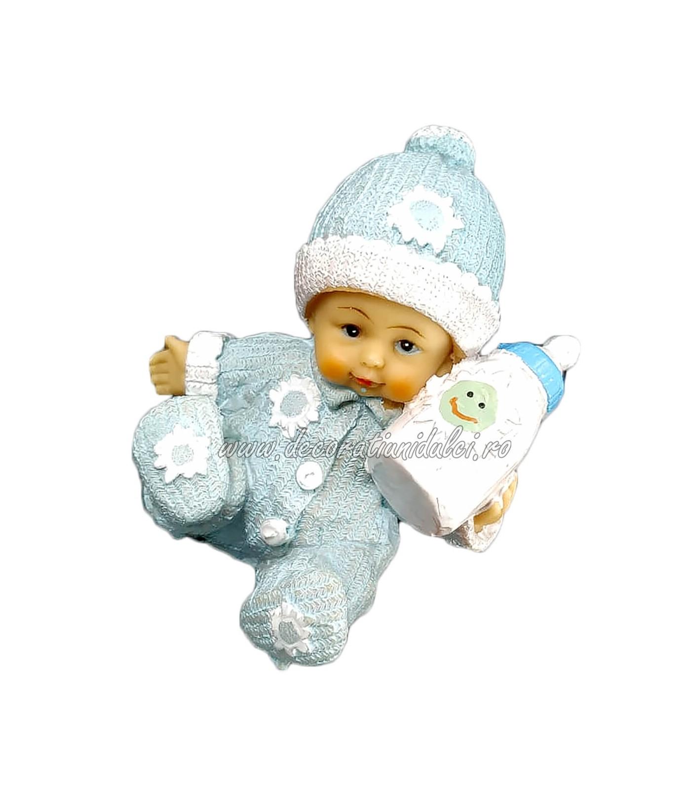Figurina baietel cu biberon