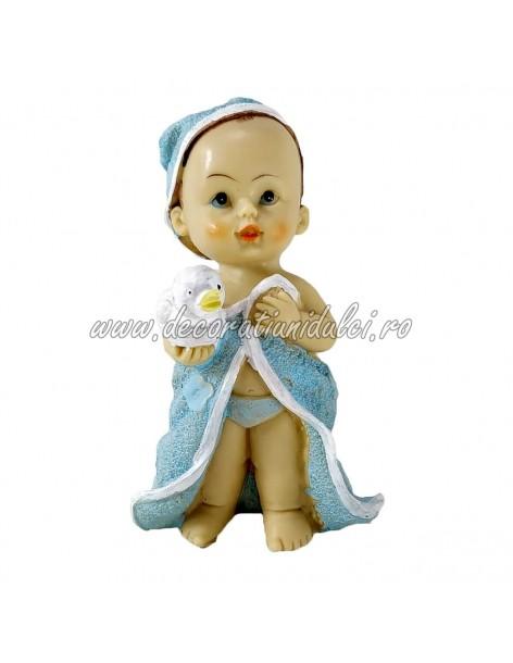 Figurina bebelus, prima baita