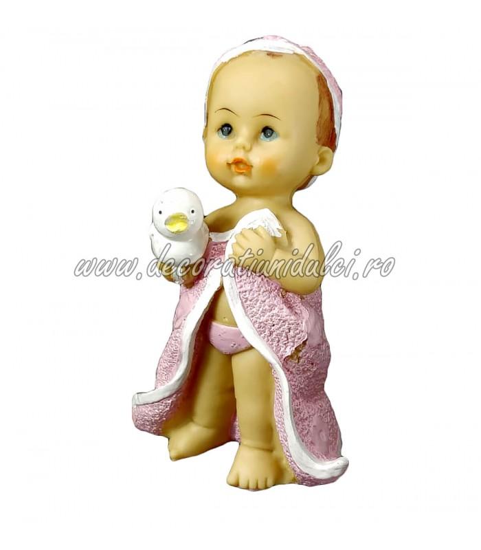 Figurina fetita, prima baita